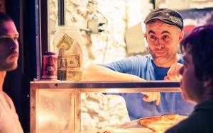 """""""ホームレスを救う?「1ドルピザ」を寄付できるピザ屋さん、アメリカで登場。"""""""