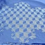 もうすぐ還暦の男。たった一人で描く雪上の「巨大アート」がスゴすぎる!