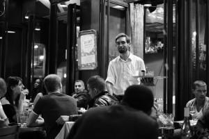 """""""客の差別。それがフランス流「最高のおもてなし」。"""""""