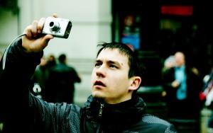 """""""ゴールデンウィーク中の旅先に「カメラ」を""""持っていかない""""ほうがいい理由"""""""