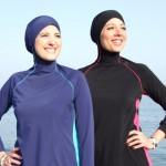 """真夏のビーチでイスラム女性が""""あえて""""ビキニを着ない理由"""