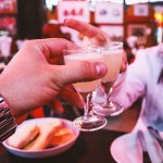 """53杯目:「お酒に酔ってもセクハラはNG」。イギリスのナイトクラブから始まる""""小さな改革""""とは。#oktoask 「丼」じゃなくて「#」で読み解く、現代社会"""