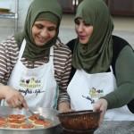 15作目:クラウドファンディングを使い、難民キャンプで「移動するごちそう事業」を始めた女性たちのドキュメンタリー『ソフラ 〜夢をキッチンカーにのせて〜』|GOOD CINEMA PICKS