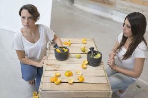 あの高級ブランド「フェラガモ」が目をつけた。女子大生のときに世界初の「オレンジのゴミ」からできた服を作った女性起業家。