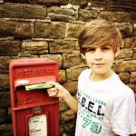 """Googleじゃなくて「手紙」が世界情勢を知る手段。193ヶ国に1158通の手紙を出した「9歳の少年」から教わる""""行動の重要性"""""""